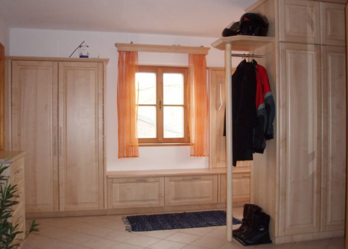 tischlerei-buchegger-garderobe